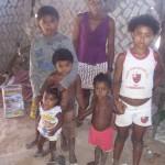 Madre con figli in Alto Parnaiba